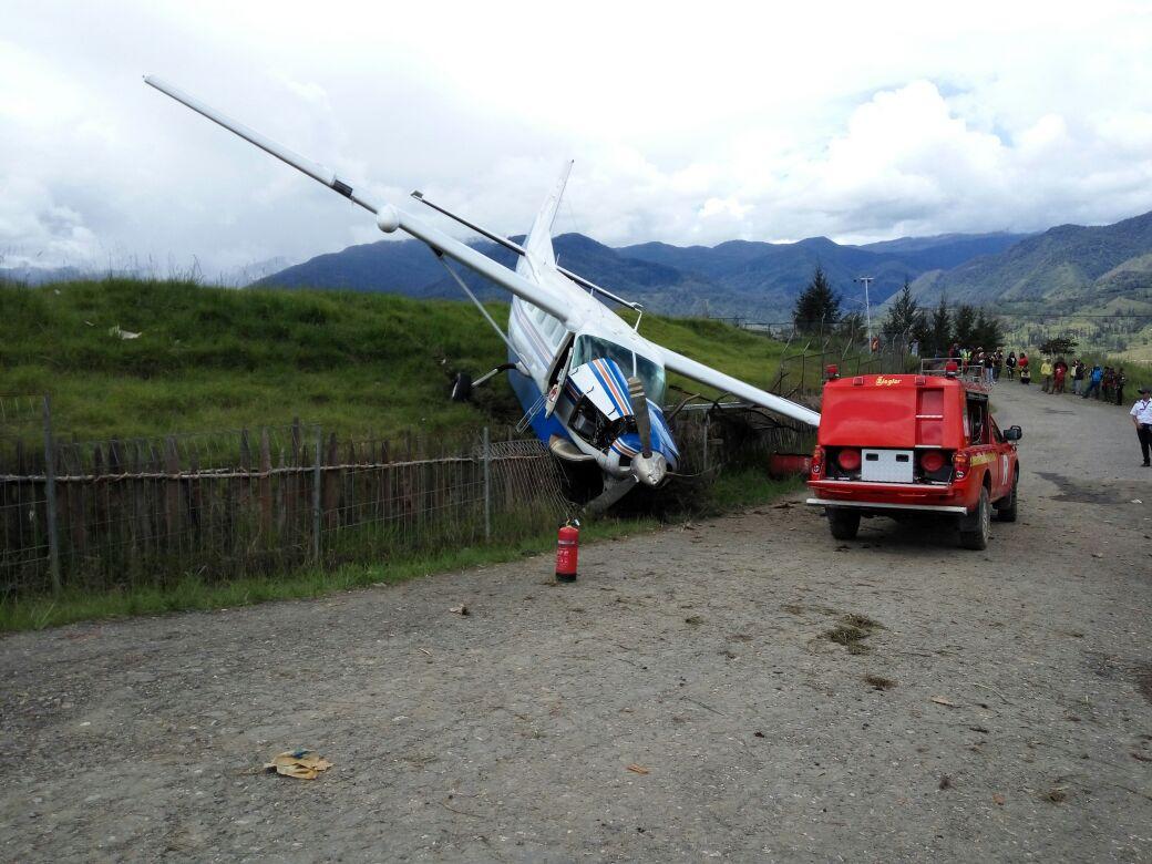 Cessna Caravan PK-ICC runway excursion at Ilaga